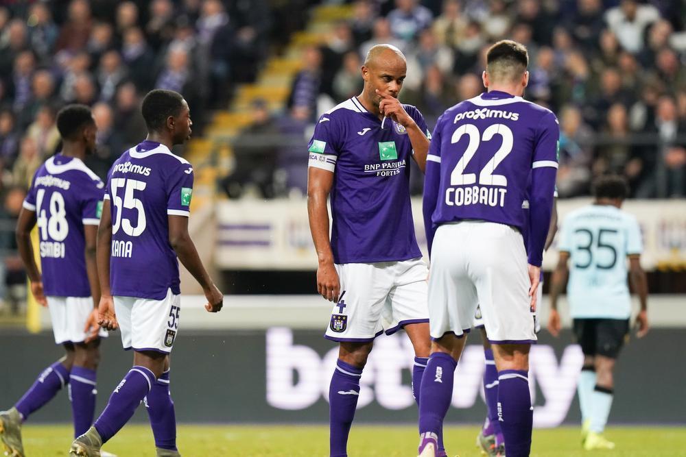 Oppermachtig Club Brugge na walk in het Lotto Park naar halve finale
