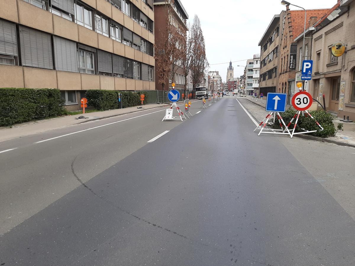 Wie vanaf de ring richting centrum Roeselare moet heeft nog vrije doorgang. Omgekeerd geldt er een omleiding via de Rijselstraat.