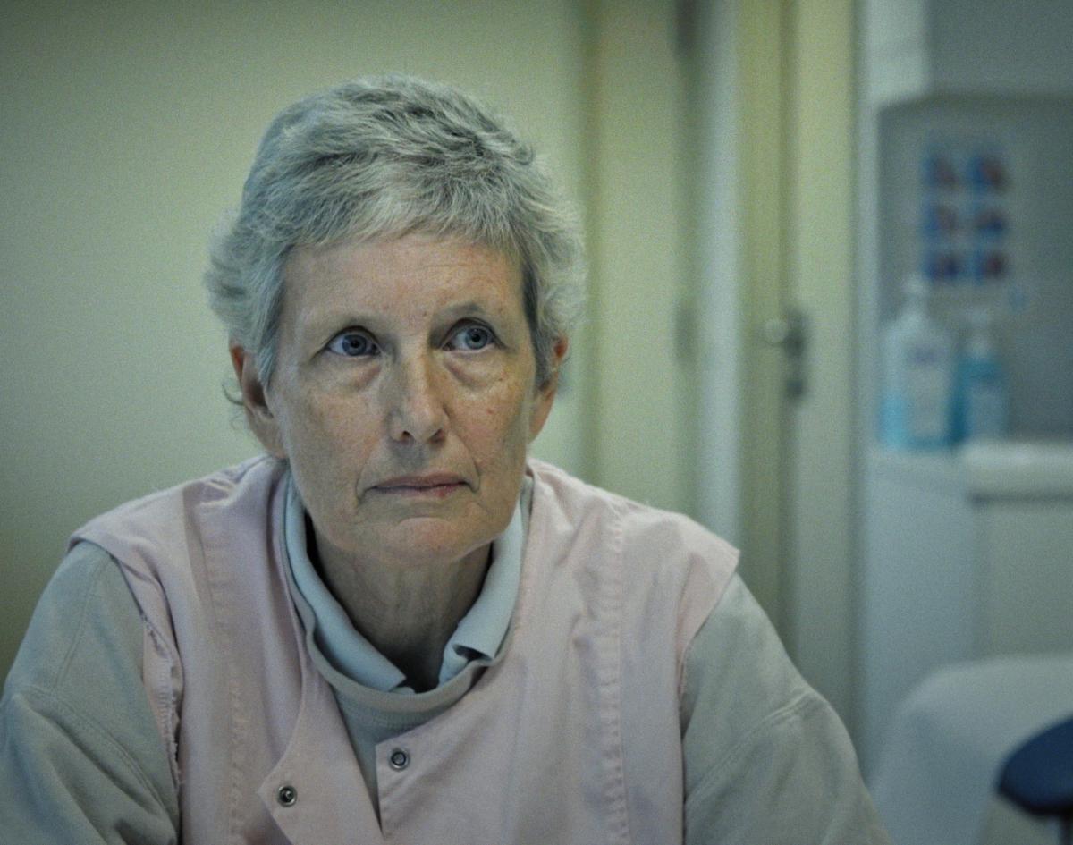 Hilde Van Acker, de helft van het 'duivelskoppel', maakt haar opwachting in 'Ooit Vrij'. (foto VIER)