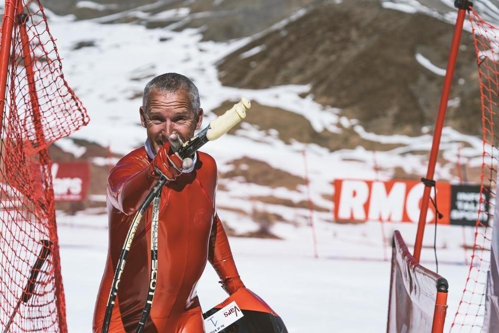 Joost Vandendries: snelste Belg op ski's vlamt aan 218,45 km per uur en groeide op in Veurne