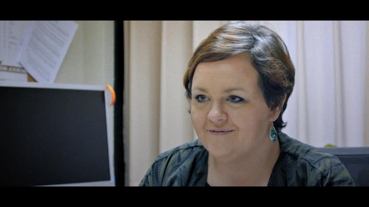 Charline Libbrecht speelt een centrale rol in de eerste aflevering van Ooit Vrij. (Foto Vier)