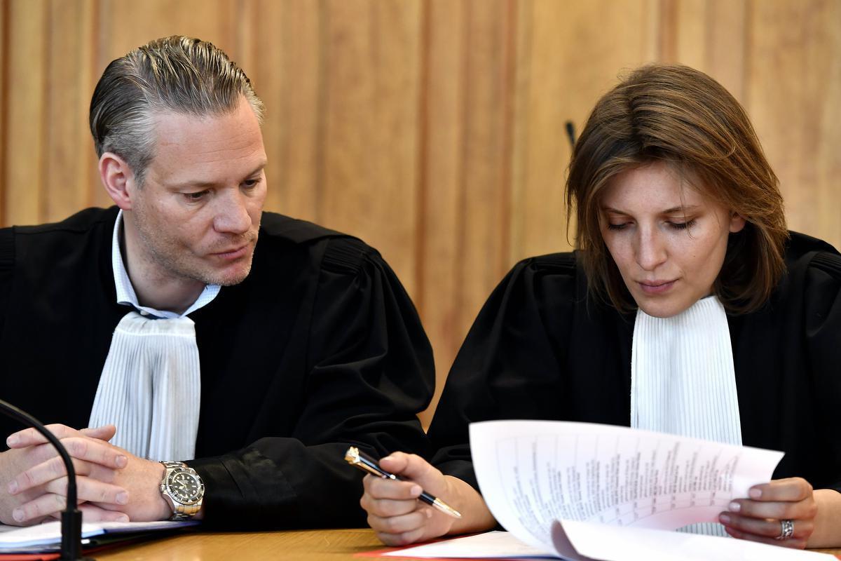 Issabel De Fre aan de zijde van Walter Damen. De Leuvense advocate geeft voorlopig geen commentaar over de zaak van haar cliënt Jolan F.