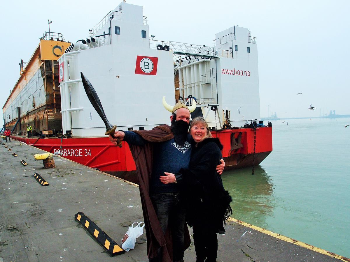 Voor dokmeester Geert Deleye was het na vier maanden leven als een Viking in Noorwegen een blij weerzien met vrouwlief Corine Deboodt.