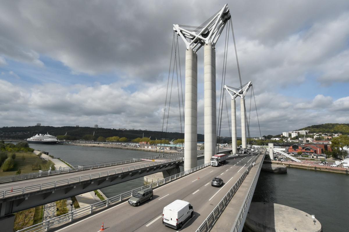De brug in Zeebrugge zal zelfs groter zijn dan deze Flaubertbrug in het Franse Rouen.