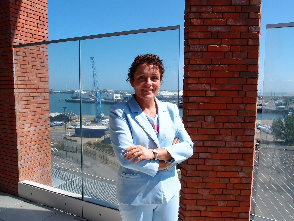 Minister Lydia Peeters: