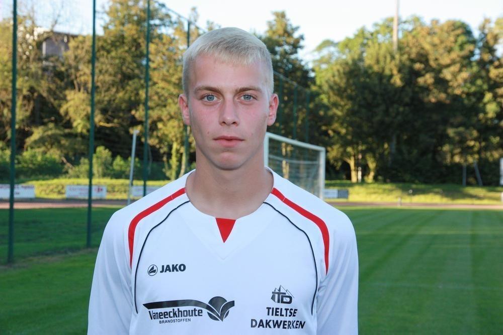Brian Depondt werd recent bij KFC Meulebeke voor de tweede keer op rij uitgeroepen tot speler van het jaar.