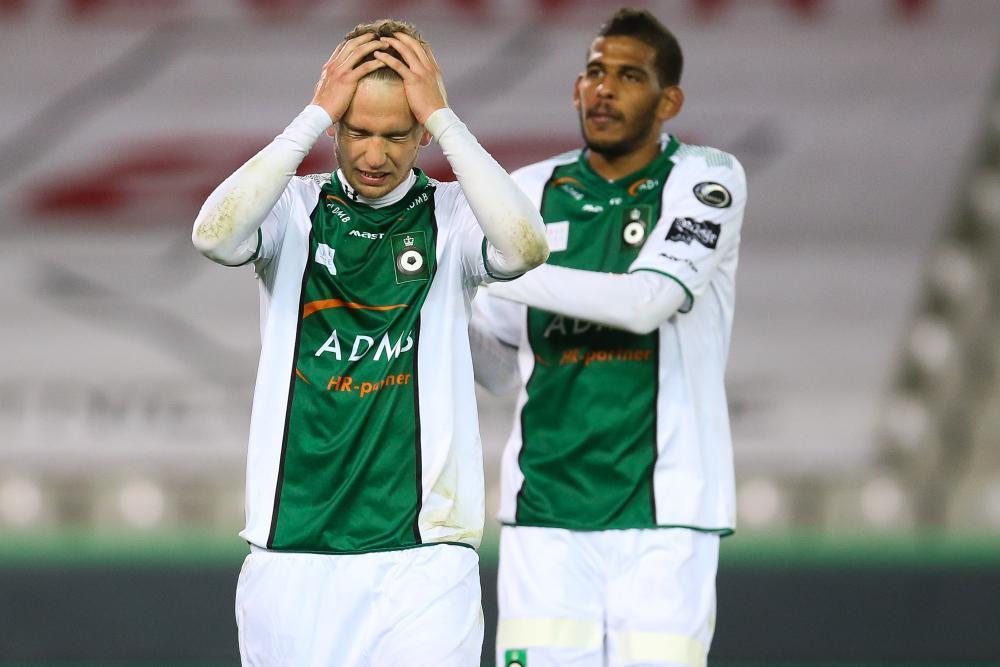 Cercle met de handen in het haar. Stephen Buyl en Faris Haroun in zak en as bij de confrontatie tegen Lierse op 17 april jl.
