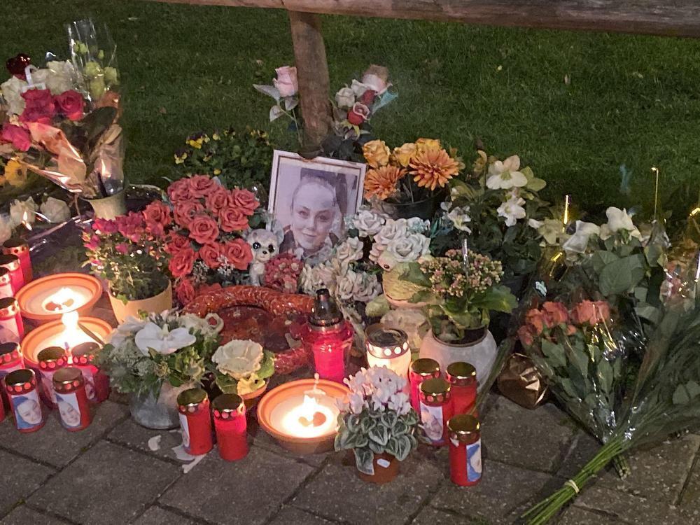 Julie Daivier herdacht op plaats waar ze twee jaar geleden om het leven kwam in Oostende
