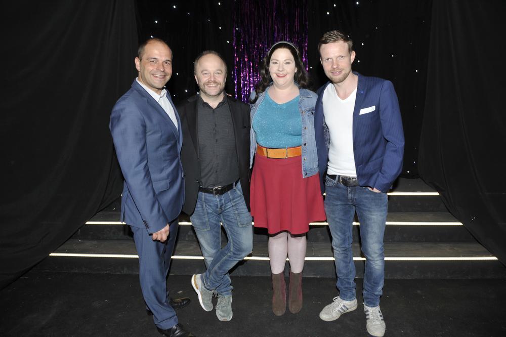Vier op één rij met Sam Verhoeven (artistieke leiding), Sven De Ridder (Jean Vereecken), Joke Emmers (Marva Vereecken) en Jelle Cleymans.