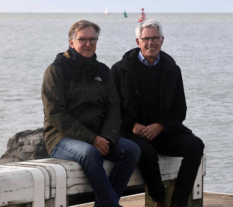 Daniël (links) en Ivo vertellen over de asuitzetting op zee.