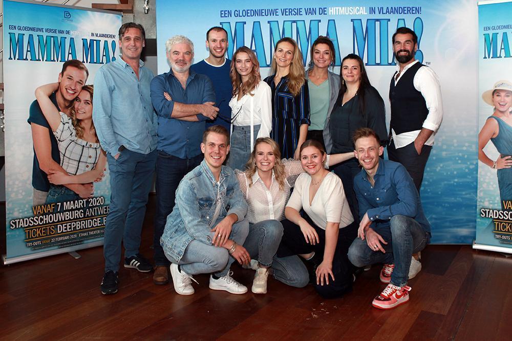 Een groot deel van de cast van Mamma Mia ! (Foto FODI/Daniël)