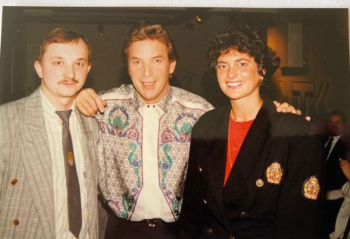 Een foto uit de jaren negentig. Een persmoment in Brussel, samen met vriendin Ann Vandeweghe.