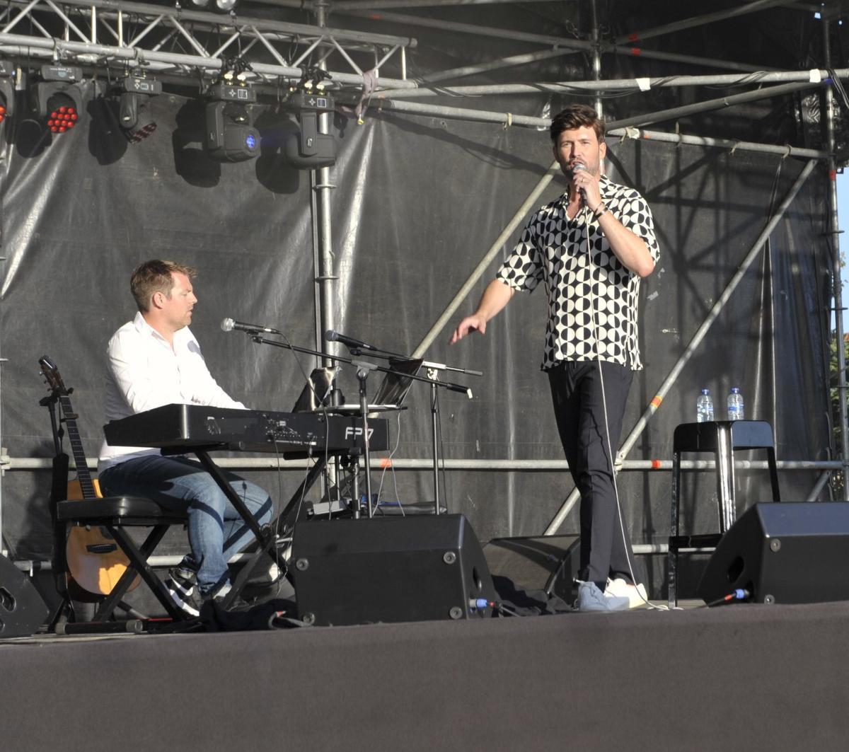 David zong ook nummers van Will Tura.