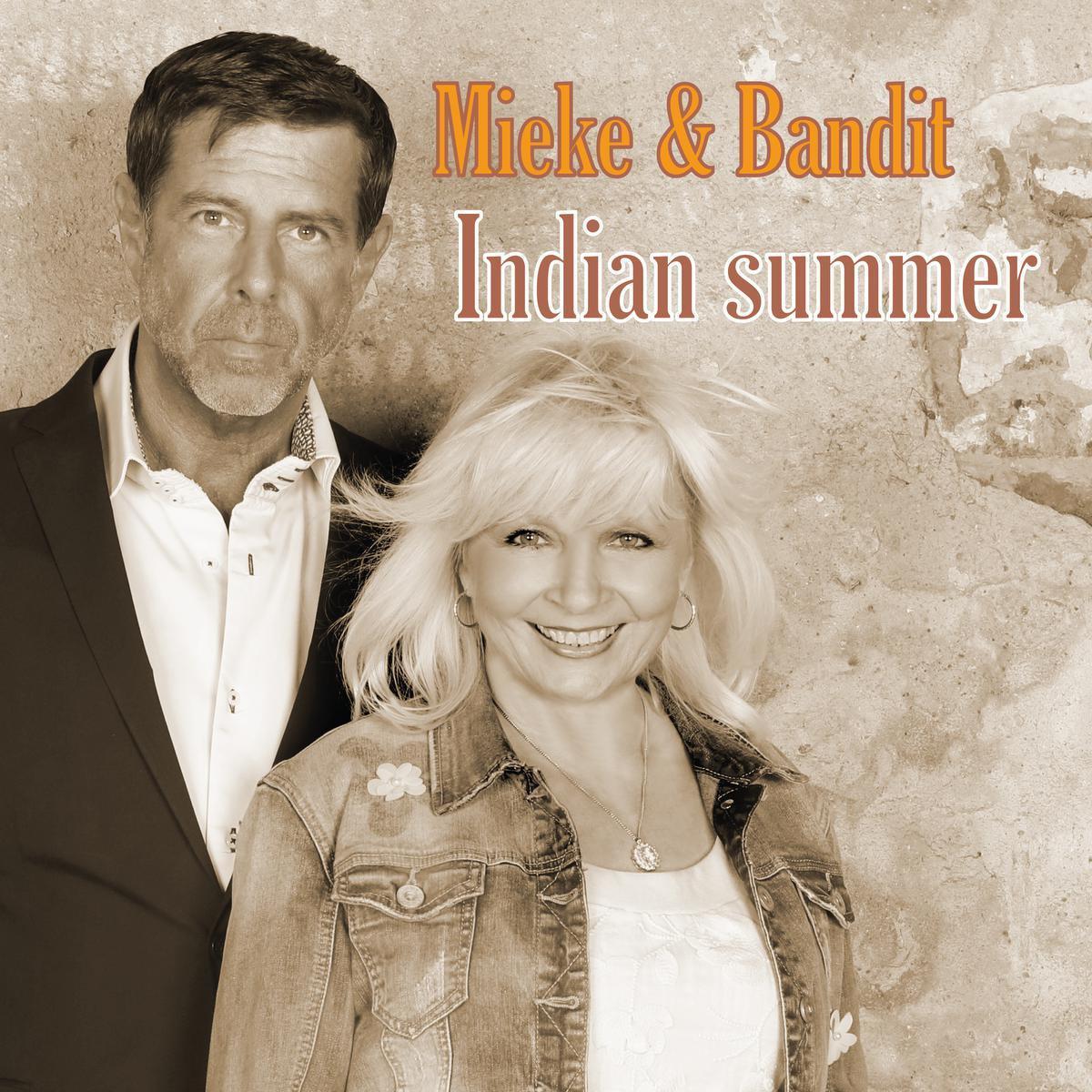 Mieke & Bandit zingen samen 'Indian Summer'