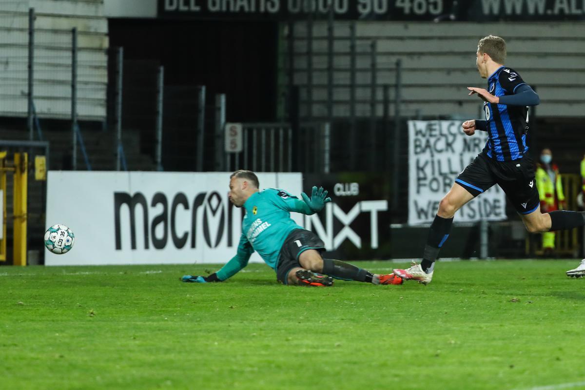 Ignace Van Der Brempt legt de 2-0-eindstand vast.