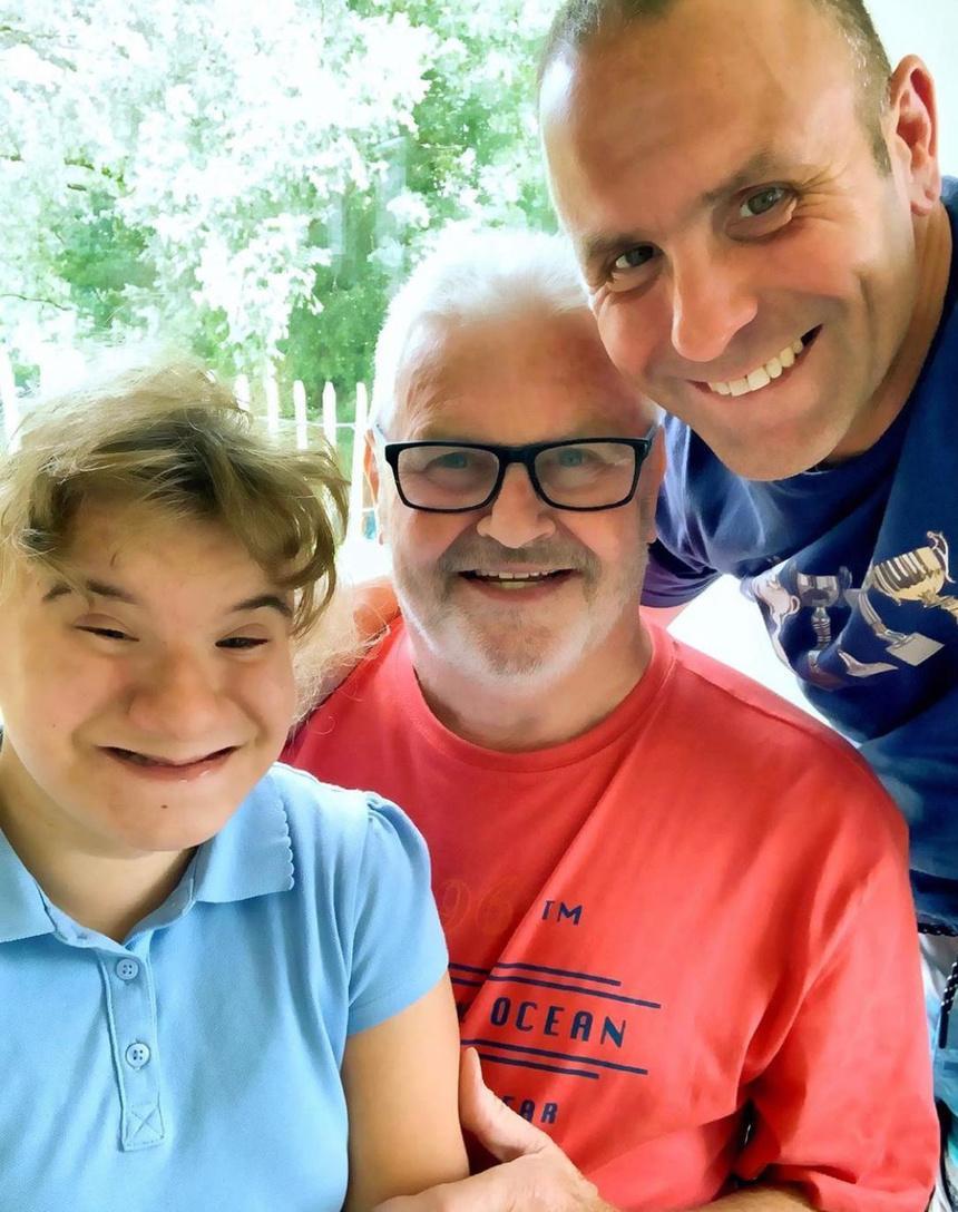 Mike en Ronny met Ciana, het dochtertje van vriend Gunther waarmee Ronny het opperbest kon vinden. (gf)
