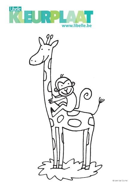Giraffe Kleurplaten Zoeken.Kleurplaat Giraf En Aapje Libelle