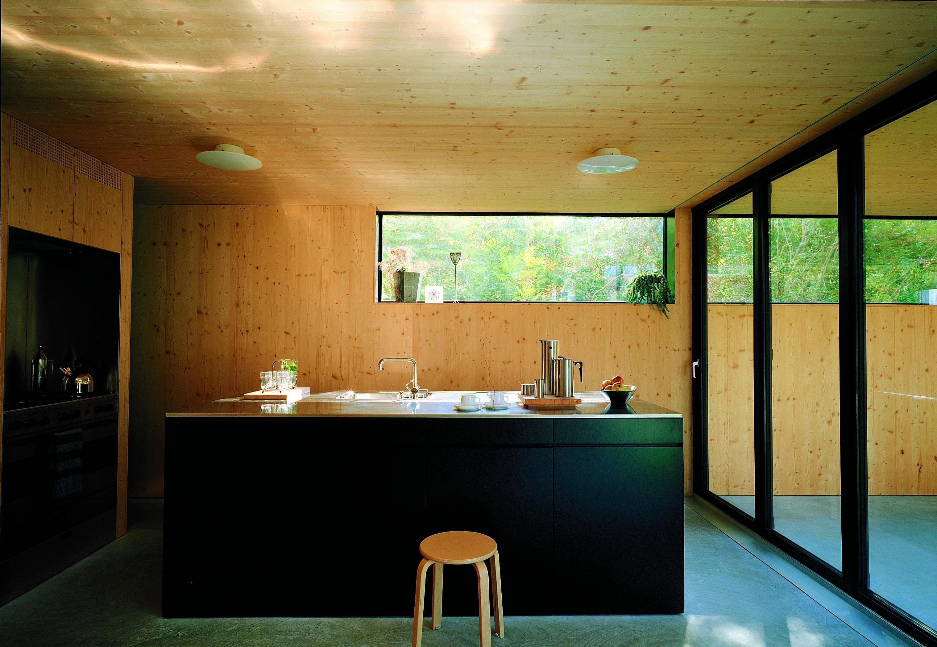 un plafond en bois bien s r. Black Bedroom Furniture Sets. Home Design Ideas