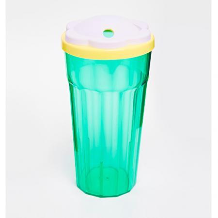 Verre en plastique