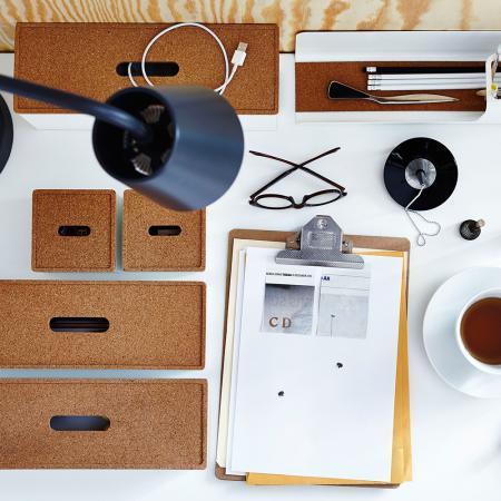 Rangez vos petites affaires dans des boîtes.