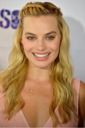De zijdelingse visgraatvlecht van Margot Robbie