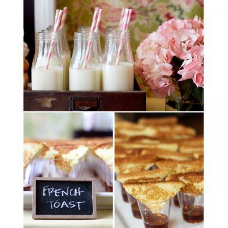 French toast én melk met een rietje