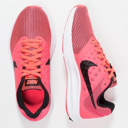 Nike Performance