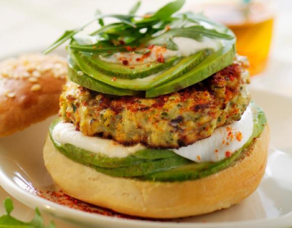 Dinsdag: kipburger met avocado