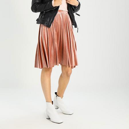 Version plissée en velours