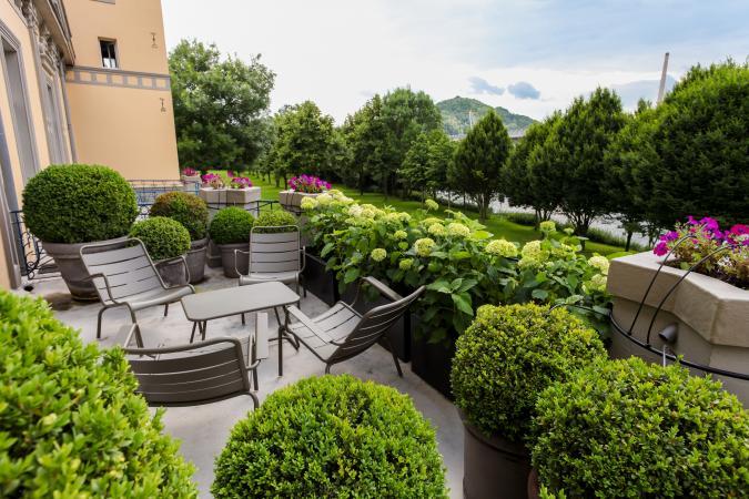 Royal suite: balcony