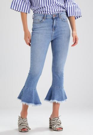 Cropped peplum jeans