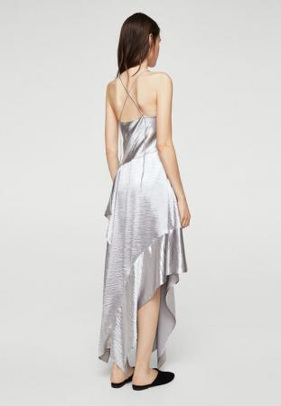Longue robe satinée asymétrique couleur argent