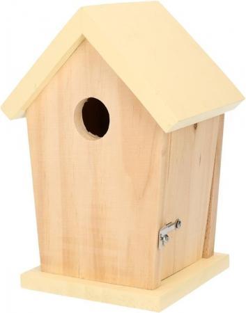 Houten vogelhuisje met geel dakje