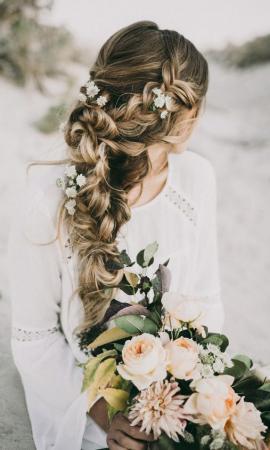 PINSPIRATION: bruidskapsels om verliefd op te worden