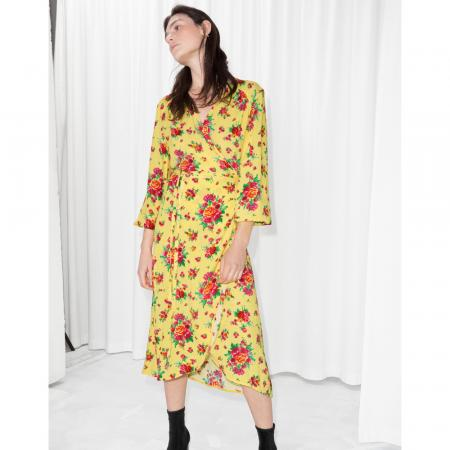 Robe portefeuille jaune à manches pagodes