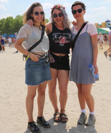 Nele (18), Muriel (17) en Lily (18) uit Keulen