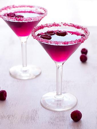 Cosmopolitan met framboos, wodka en limoen