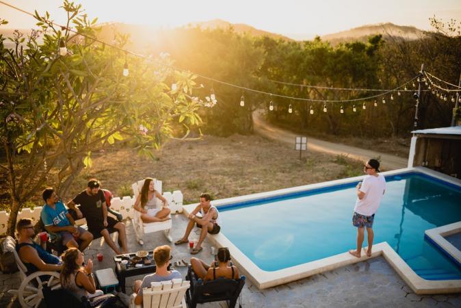 En meteen een pool party geven voor al je loved ones