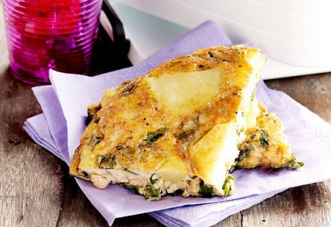 Tortilla met garnalen en waterkers