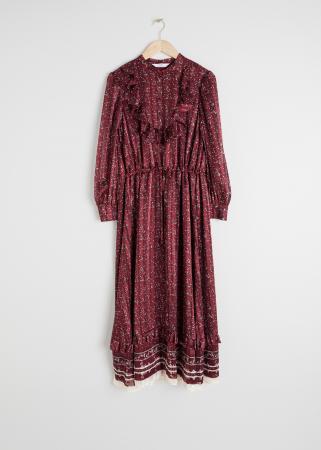 Longue robe bordeaux à volants