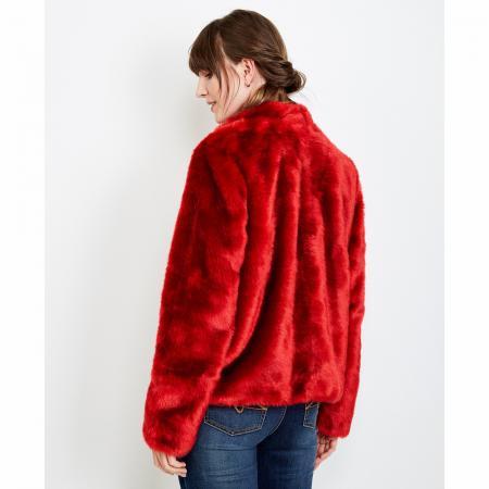 Quelles sont les grandes tendances au rayon manteaux cet hiver  754e15c83da9
