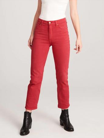 Denim in dé trendkleur: rood