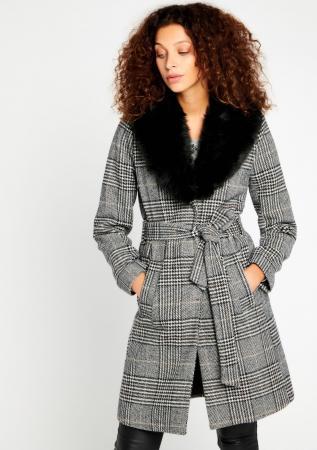 Geruite jas met faux fur