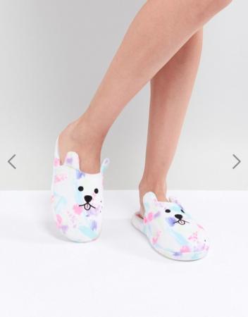 Pantoffels in de vorm van een hondje