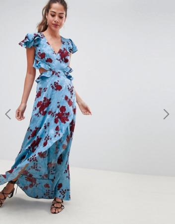 Lichtblauwe cut-out dress met bordeaux bloemenprint