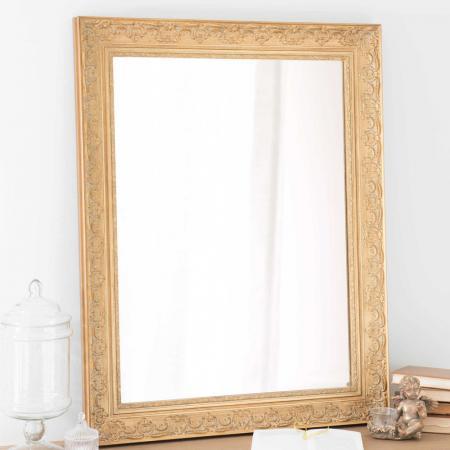 Spiegel met goudkleurige lijst