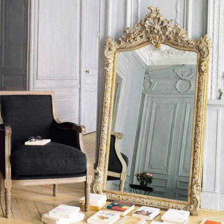 Goudkleurige spiegel