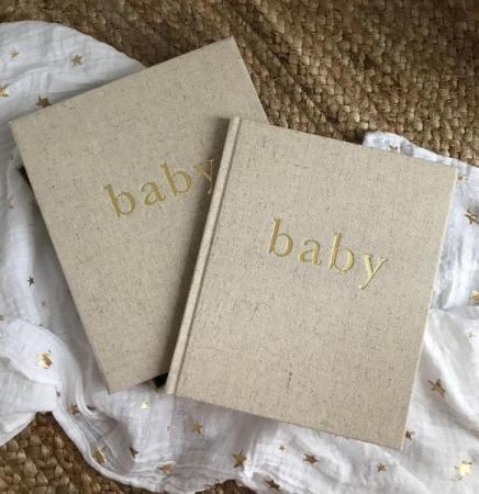 'Baby'-boek in box