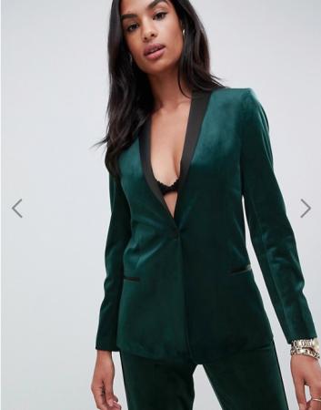 Smaragdgroene blazer met zwarte revers