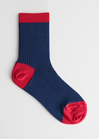 Marineblauwe sokken met rode details